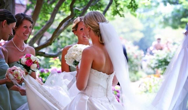 Поздравления на свадьбу для молодых своими словами