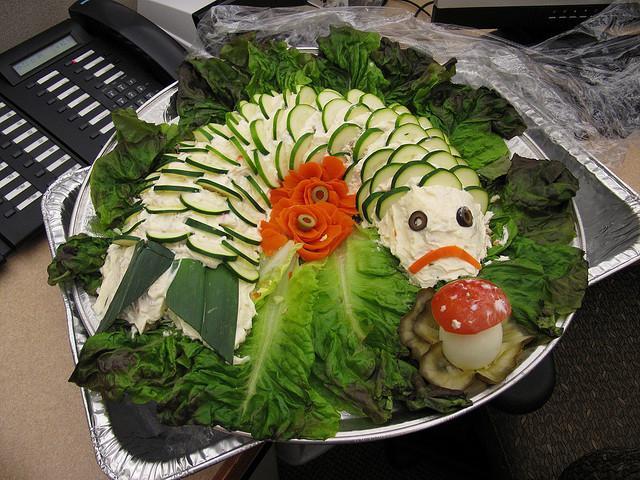 Как украсить салат нептун