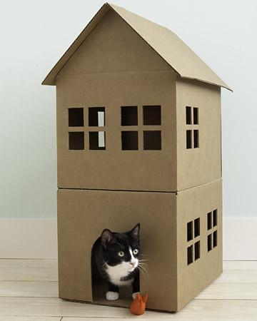 Домики для кошек из коробки сделать своими