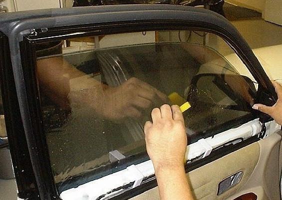 Затонировать авто своими руками видео