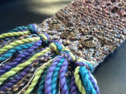 как закончить вязание шарфа бахромой