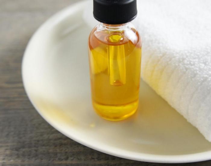 Castor oil hair mask