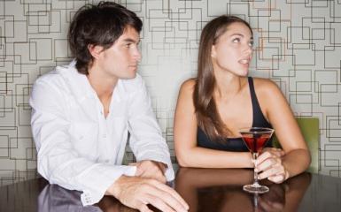 о чем говорят мужчины с девушкой при знакомстве