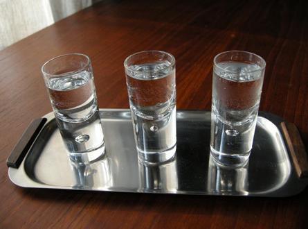 Как разбавить спирт и получить хорошую водку?
