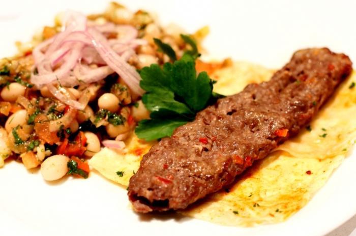 Отбивные из свинины в духовке с помидорами луком сыром рецепт с фото