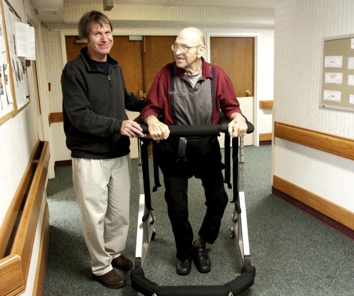 Человек после инсульта в домашних условиях
