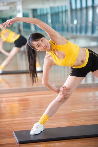 Эффективные упражнения для боков с картинками 16