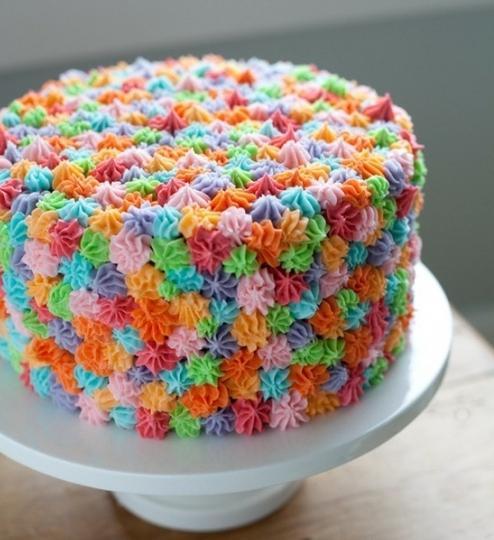 Украшения торта ягодами