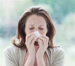 Сопли в горле: как лечить и чем спасаться?