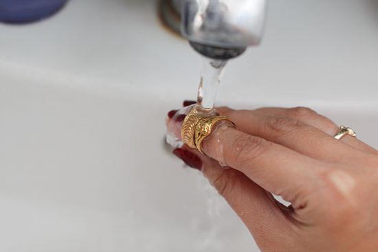 Как почистить золото в домашних условиях разными способами :: SYL.ru