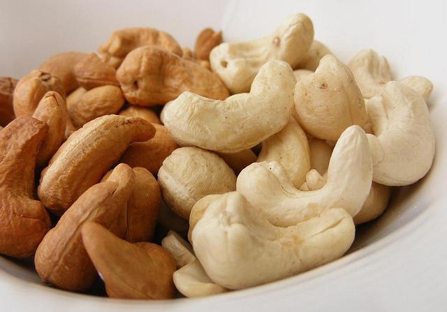 cashew useful properties