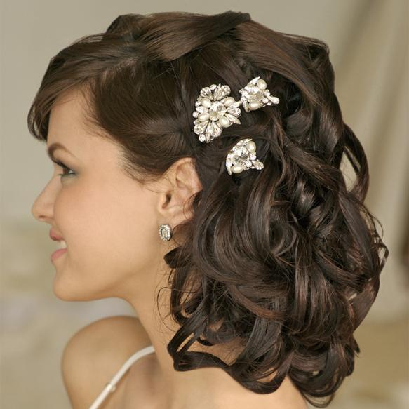 Прическа коса в косе на средние волосы. Дизайн ногтей слайдер - фото красивого дизайна ногтей