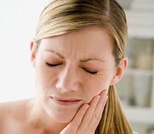 очень сильно болит зуб
