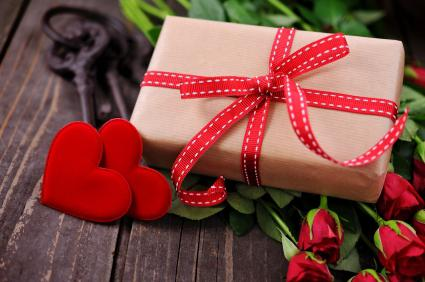 how to present a gift in an original way