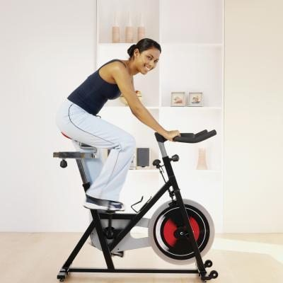 Помогает ли велотренажер похудеть