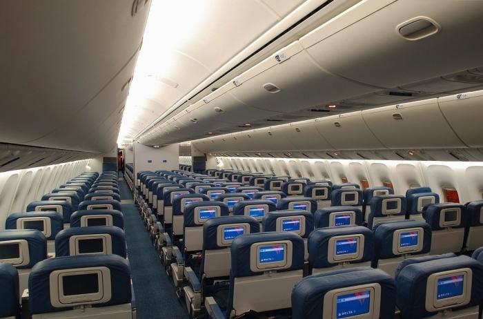 Boeing 767 cabin layout