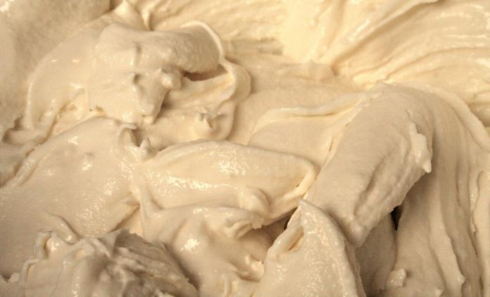 Как сделать крем из сгущенки и сметаны