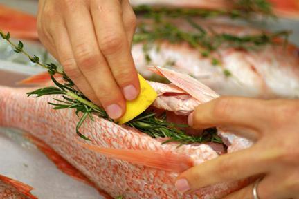Целая рыба запеченная в духовке рецепт