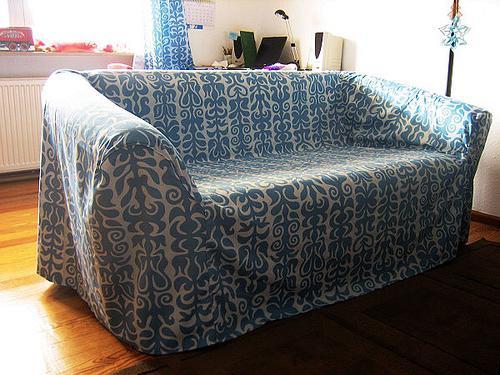 Чехол на резинке для дивана своими руками фото