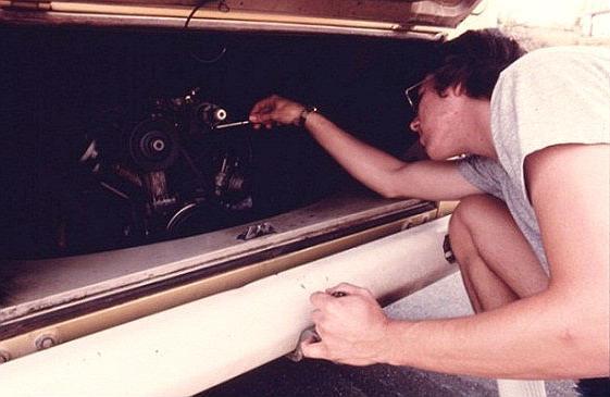 How to adjust the carburetor