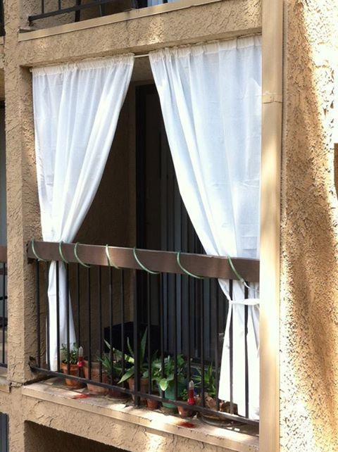 Шторы на балкон - необходимая деталь интерьера :: syl.ru.