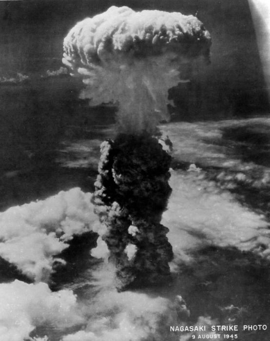 what if nuclear bombs was used in the vietnam war Us planned to a-bomb n korea in 1950 war was actively considering using the atomic bomb to end the war in korea but that only he commanded atomic bomb use.