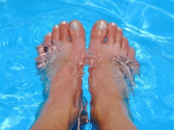 Как избавиться от запаха ног? Советы и народные способы