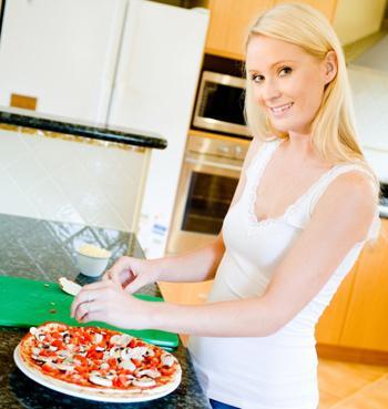 как сделать пиццу в домашних условиях на сковороде рецепт