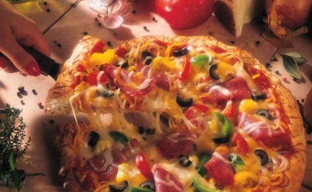 пицца с грибами помидорами сыром и колбасой рецепт