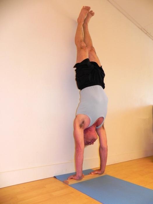 handstand favor