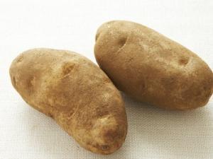 потушить картошку с тушенкой в мультиварке рецепт