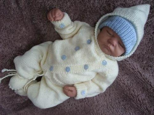Вязание спицами для новорожденного