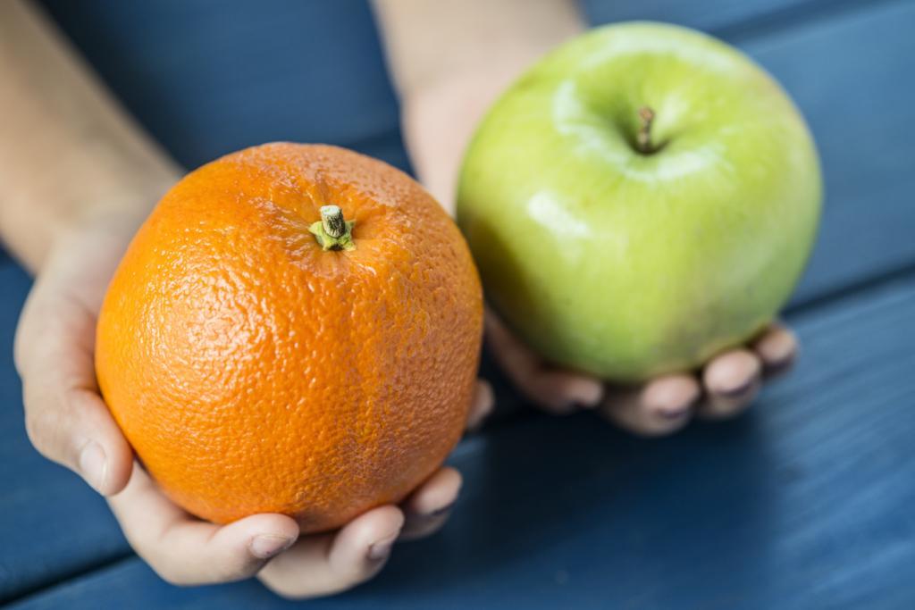 противника удержание яблоко и апельсин в одной картинке под лабораторию