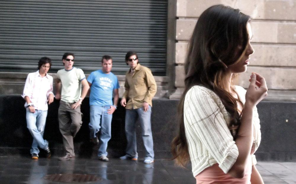 Девочка любит толпу мужиков