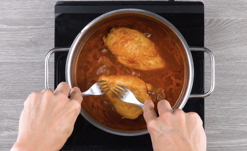 Картофельные корзиночки с начинкой в духовке, микроволновке из курицы, фарша, сельди, грибов. Рецепт классический с фото
