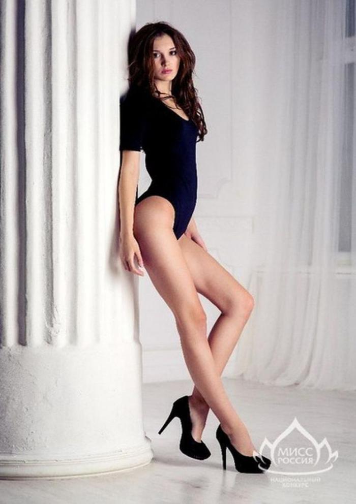 Это фото девушку длинные ножки ролики зрелыми женщинами
