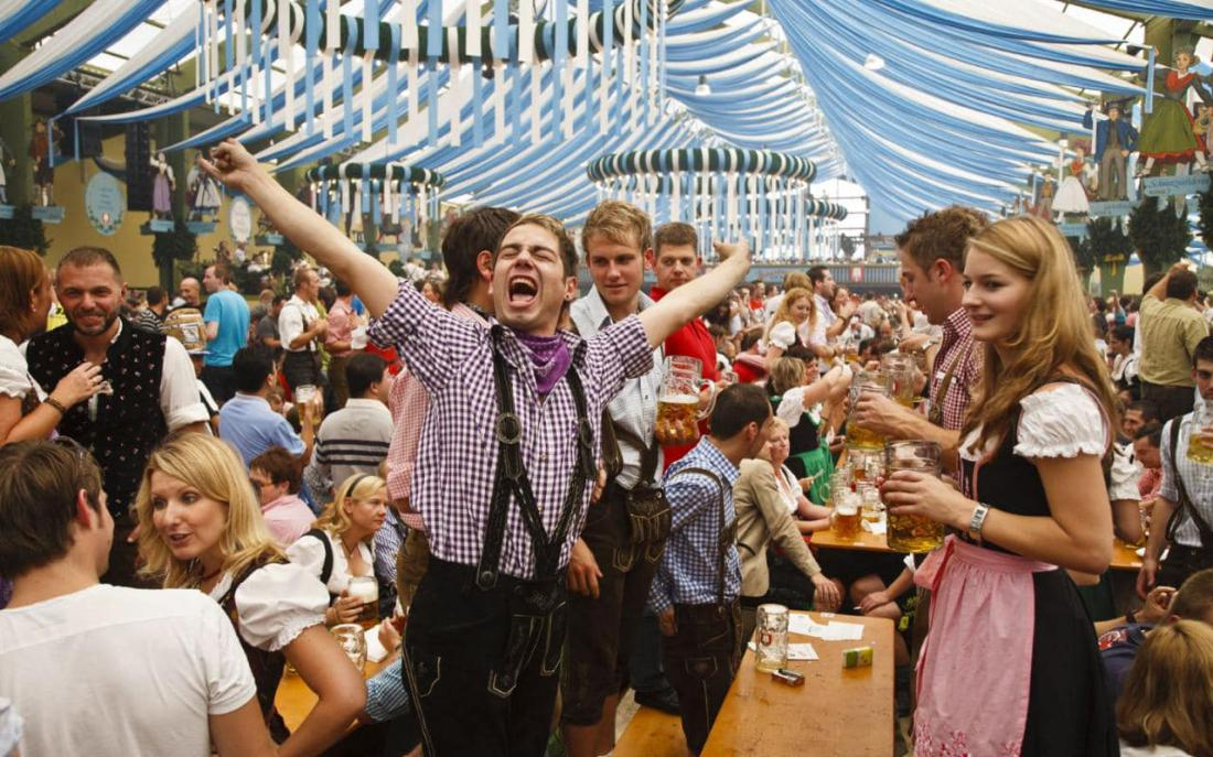 oktoberfest essay Top 10 most popular oktoberfest songs guide - best music for a traditional party in the munich beer tents guide to german oompah song and polka downloads to get ready for oktoberfest.