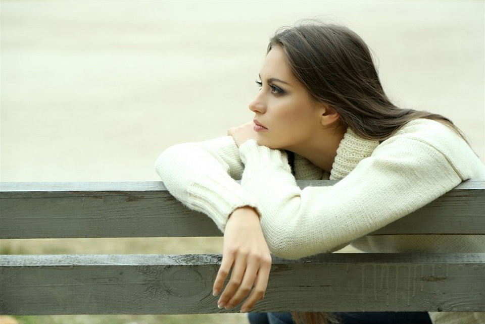 Картинки одинокая женщина одиночество