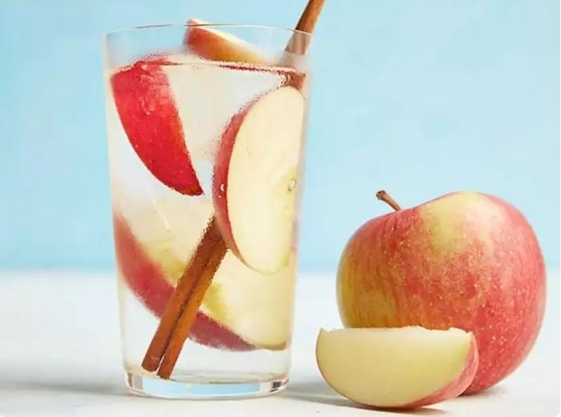 Яблоки и вода для похудения