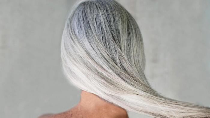 Почему у молодых девушек седеют волосы