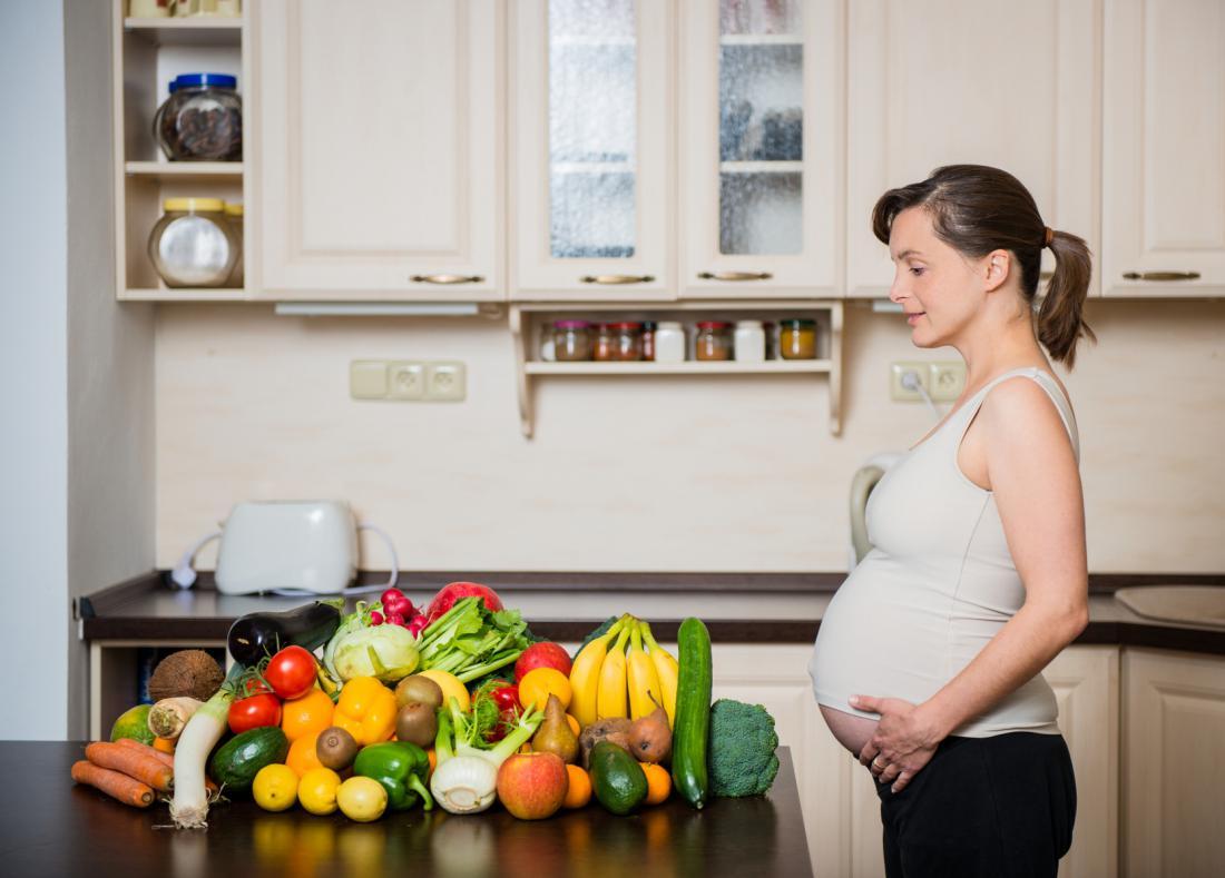 Чем полезен ананас для беременных женщин