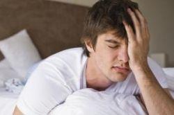 Похмельный синдром снять довольно сложно, но можно