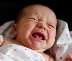 Плачущий ребенок. Как понять, в чем причина