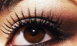 Как красить карие глаза?