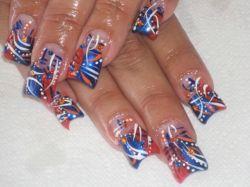 Разнообразная роспись ногтей акриловыми красками