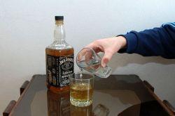 С чем пить виски, чтобы не перебить вкус напитка?