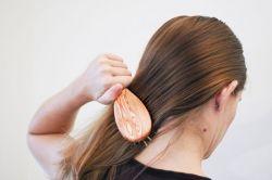 Как сделать бант из волос? Пошаговая инструкция с фото