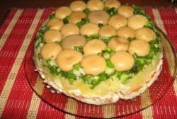 Салат «Лесная поляна» - для тех, кто любит грибочки