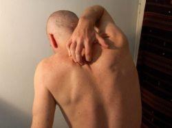 Зуд по всему телу: чем вызван и как бороться
