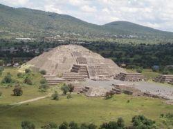 Пирамиды майя - одно из чудес света